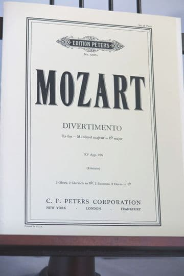 Mozart W A - Divertimento KVA226 for 2 Oboes 2 Clarinets 2 Horns & 2 Bassoons